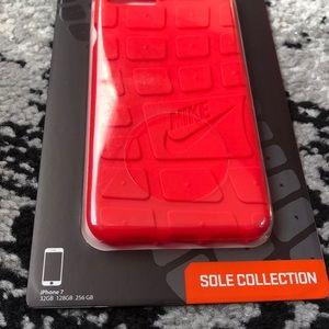 de386a8efc4e0 Nike Accessories - Nike Roshe IPhone 7   8 Case